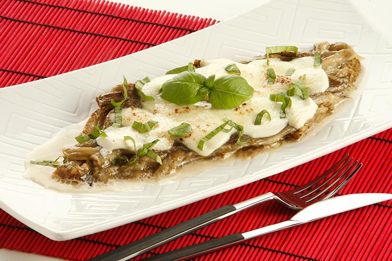 Receta de berenjena sada con mozzarella recetas de consum - Berenjenas con mozzarella ...